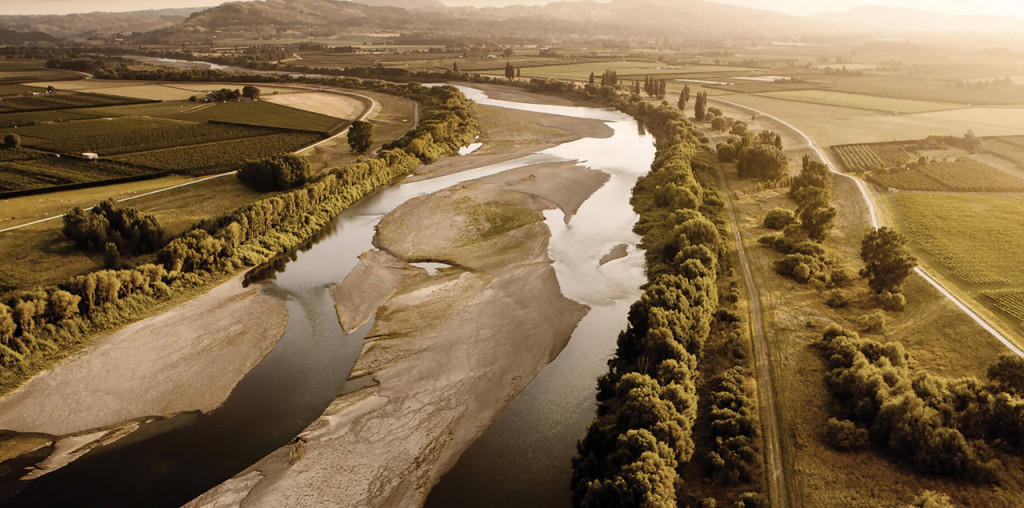 River_and_Vineyards